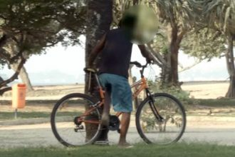sacaneando-ladrao-de-bicicleta-no-rio