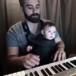 fazendo-bebe-dormir-teclado