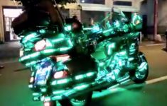 moto-com-luz-propria