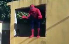 Acabou a teia do Homem Aranha
