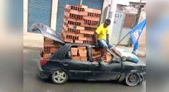 carregamento de tijolo no carro