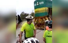 Perdendo a bicicleta pro trem