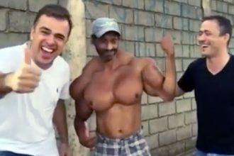 Videos Engraçados: Pegadinha com mulher interesseira