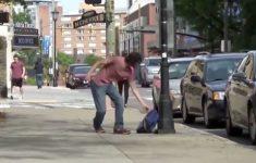 humilhando-ladroes-de-mochila