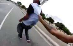 skatista-pegou-ladrao-roubando