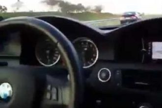 Videos de Carro: BMW leva coro de Honda Civic a 300 km/h