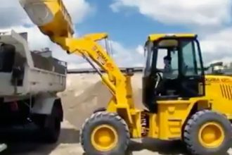 Vídeos Incríveis: Monster Truck Inacreditável