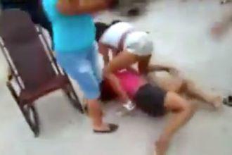 Baixar video Espiando a Briga Feia